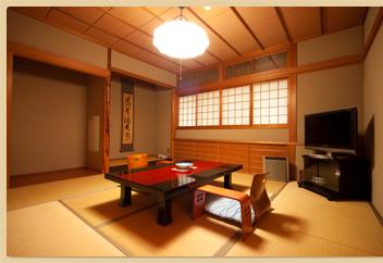 2階標準客室 和室 8帖+6帖 2間 内風呂付